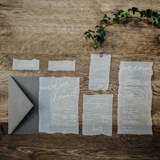 Zaproszenia ślubne biała kalka - zawieszki, menu weselne