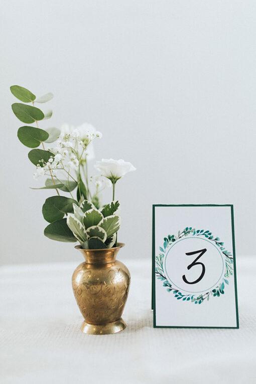 Mniejsza wersja numeru stołu - wzór Green z podkładką kartonową - sztywniejsza wersja.