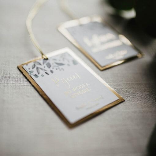 zawieszki ślubne ze złota podkładką