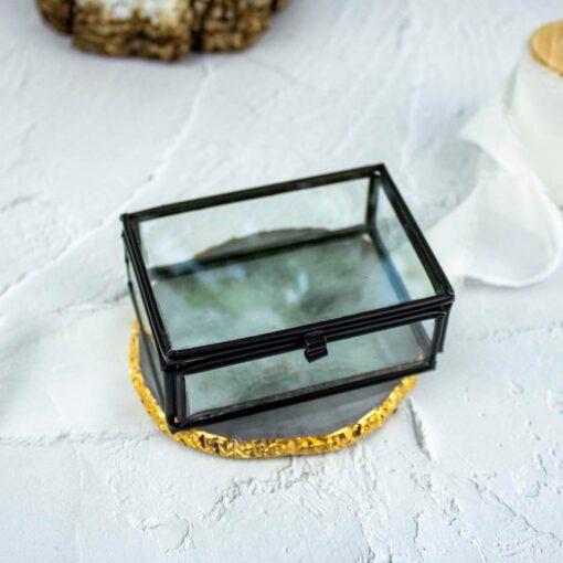 Szklane, czarne pudełko na obrączki