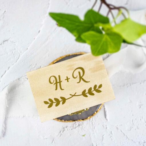 Rustykalne, prostokątne pudełko na obrązki