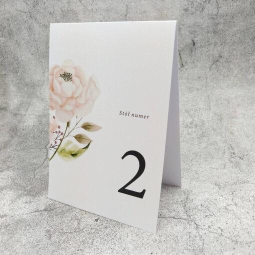 Numer stołu z motywem róży