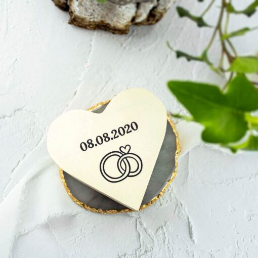 Pudełko na obrączki w kształcie serca w rustykalnym stylu
