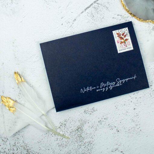 Granatowe zaproszenie ślubne z białym drukiem
